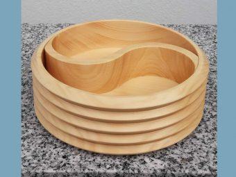 Yin Yang Schale aus Holz für Bergkristall und Hämatit Ladesteine